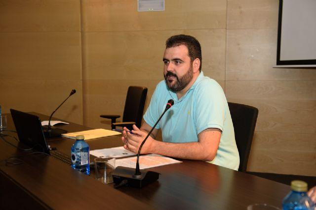 Juan Antonio Fernández presenta en el Centro Cultural su antología sobre Antonio Para Vico, Foto 3