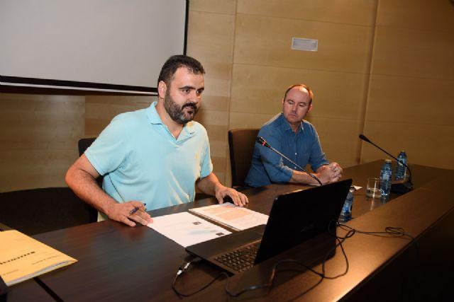 Juan Antonio Fernández presenta en el Centro Cultural su antología sobre Antonio Para Vico, Foto 4