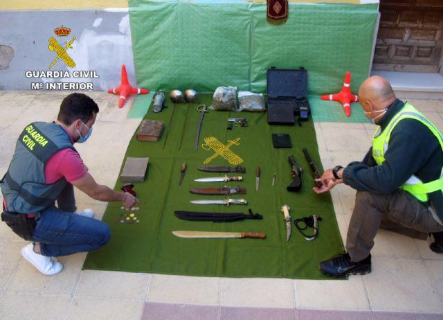 La Guardia Civil desmantela un punto de venta de droga e intervine armas y objetos antiguos robados - 3, Foto 3