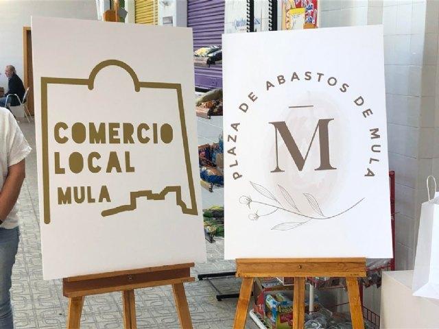 Presentados los nuevos distintivos para el Comercio Local y la Plaza de Abastos - 1, Foto 1