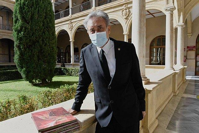"""La UMU presenta el libro """"Naturae de las Tierras de Murcia"""" de Pedro Cano para conmemorar los 15 años de su doctor honoris causa - 1, Foto 1"""