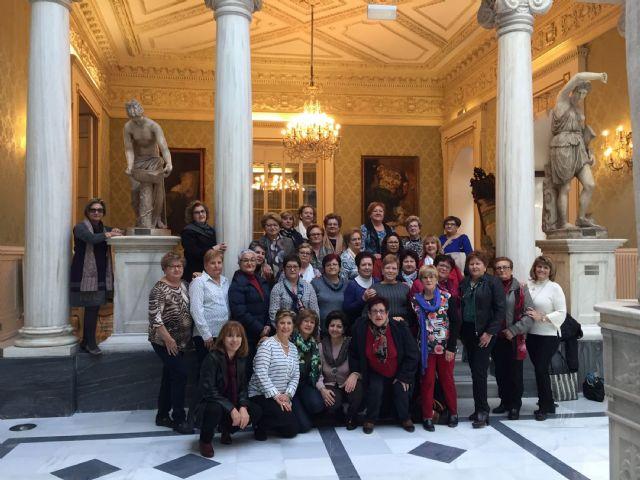 Las mujeres de la asociacion Isabel González disfrutan del Real Casino de Murcia - 1, Foto 1