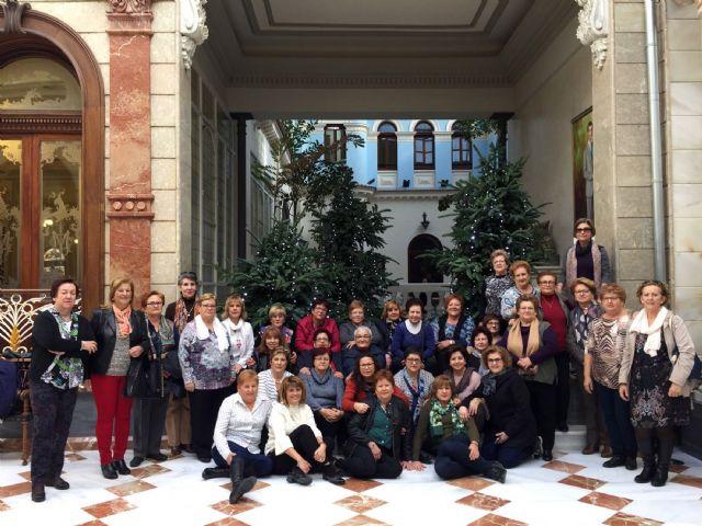 Las mujeres de la asociacion Isabel González disfrutan del Real Casino de Murcia - 2, Foto 2