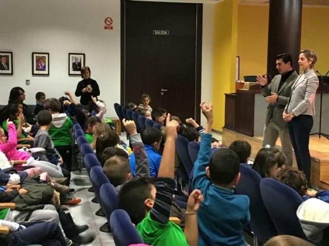Alumnos del CEIP El Mirador visitaron el Ayuntamiento - 1, Foto 1