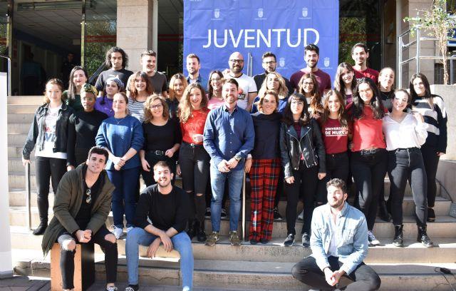 La consejera de Educación felicita a los integrantes de la Coral de la Universidad de Murcia - 1, Foto 1