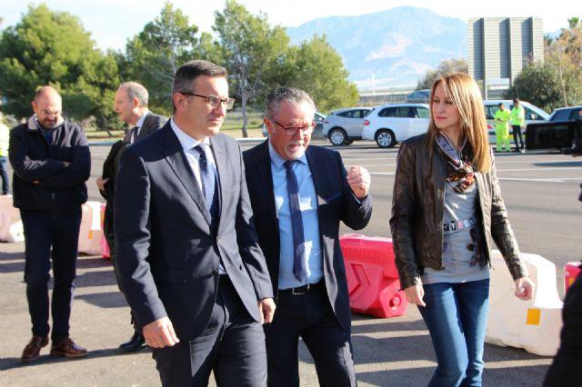 Diego Conesa asiste a la apertura al tráfico de la Fase I de las Instalaciones del Área de Servicio de Alhama de Murcia en la A-7, Foto 1