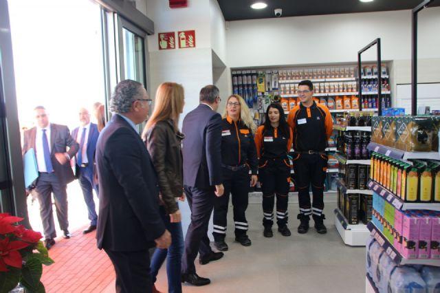 Diego Conesa asiste a la apertura al tráfico de la Fase I de las Instalaciones del Área de Servicio de Alhama de Murcia en la A-7, Foto 2