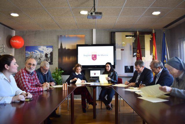 Martínez-Cachá firma con las patronales de la educación concertada el acuerdo de homologación retributiva a los docentes de estas enseñanzas - 1, Foto 1