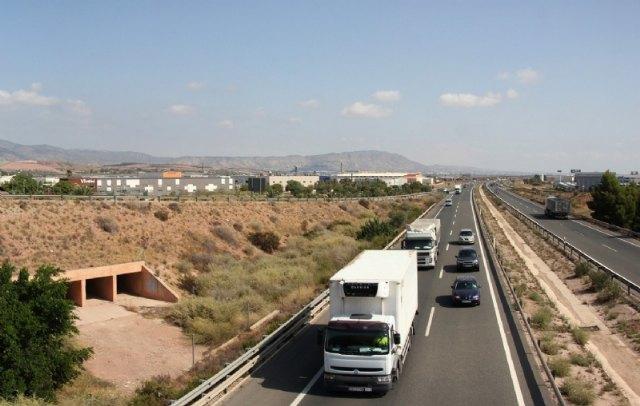El alcalde insta al Ministerio de Fomento a que el tercer carril previsto en la A7 desde Crevillente a Alhama de Murcia, continúe hasta Puerto Lumbreras