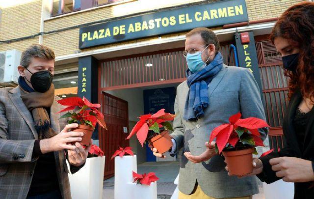 El Ayuntamiento instala adornos navideños en más de 500 comercios - 2, Foto 2