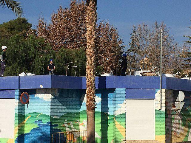 La Concejalía de Infraestructuras lleva a cabo el arreglo de la cubierta de la Escuela Infantil