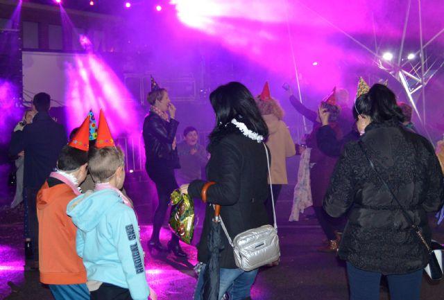 La Nochevieja se adelantó en Las Torres de Cotillas con una gran fiesta en la calle - 2, Foto 2