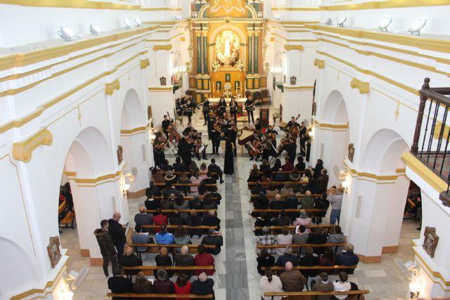 Más de 300 lumbrerenses disfrutan del concierto de Navidad de la Orquesta de Jóvenes de la Región de Murcia - 1, Foto 1