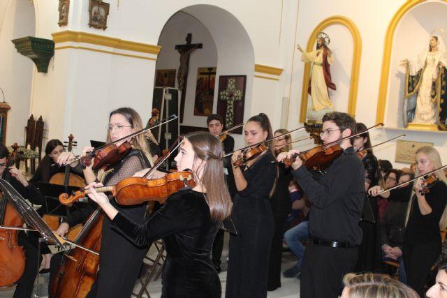 Más de 300 lumbrerenses disfrutan del concierto de Navidad de la Orquesta de Jóvenes de la Región de Murcia - 2, Foto 2