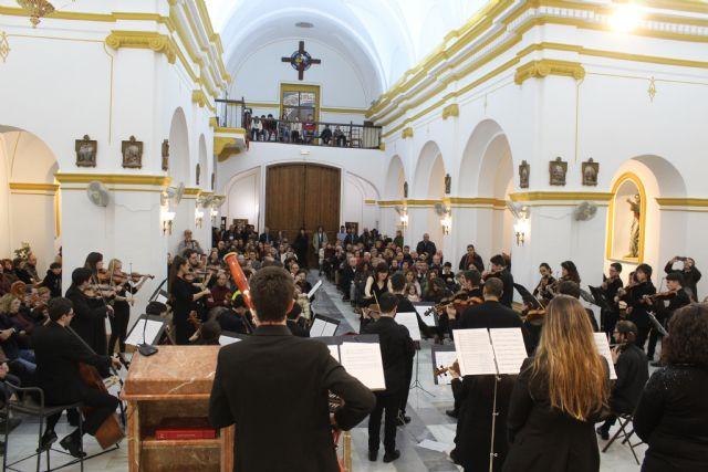 Más de 300 lumbrerenses disfrutan del concierto de Navidad de la Orquesta de Jóvenes de la Región de Murcia - 3, Foto 3