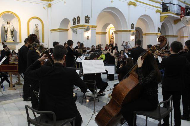 Más de 300 lumbrerenses disfrutan del concierto de Navidad de la Orquesta de Jóvenes de la Región de Murcia - 4, Foto 4