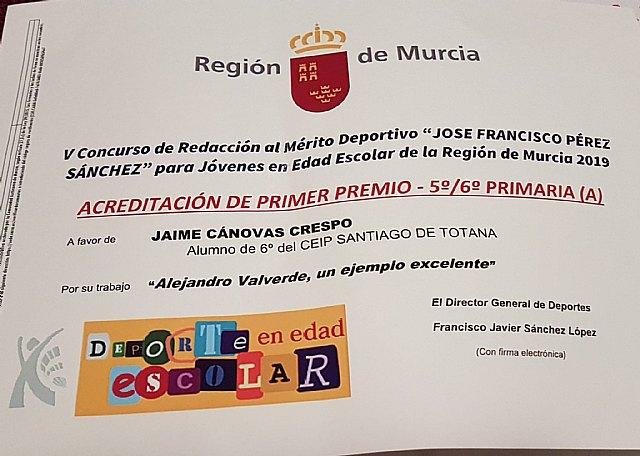 Jaime Cánovas Crespo, alumno del CEIP Santiago de Totana, recibe el primer premio por su trabajo en la gala del Deporte Murciano 2019, Foto 6