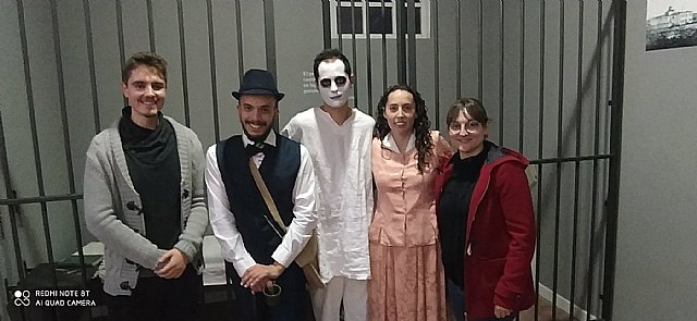 "Success of the theatrical visit ""A ghost in La Cárcel"""
