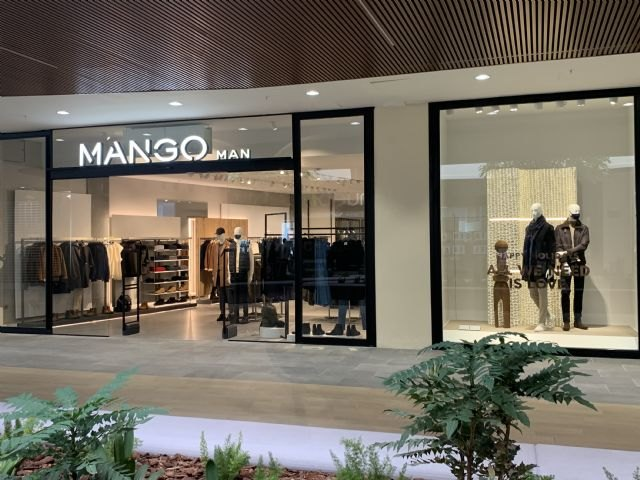 El grupo Young Retail finaliza 2020 con una triple apertura en Andalucía - 1, Foto 1