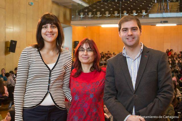 Monica Rodriguez abre el ciclo de encuentros con los finalistas del Premio Hache - 1, Foto 1