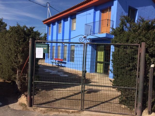 Realizan trabajos de repintado de la fachada del Colegio de Lébor y otras actuaciones similares en otros centros educativos del municipio - 3, Foto 3