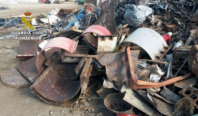 La Guardia Civil desmantela un grupo delictivo dedicado a la sustracción de material metálico - 1, Foto 1
