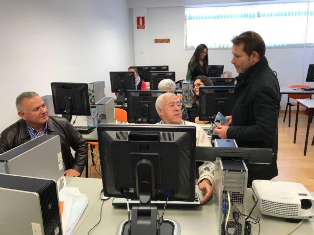 Clausura del Taller de formación sobre Informática Básica, actividad enmarcada en el proyecto Dinamización Local Torre-Pacheco - 1, Foto 1