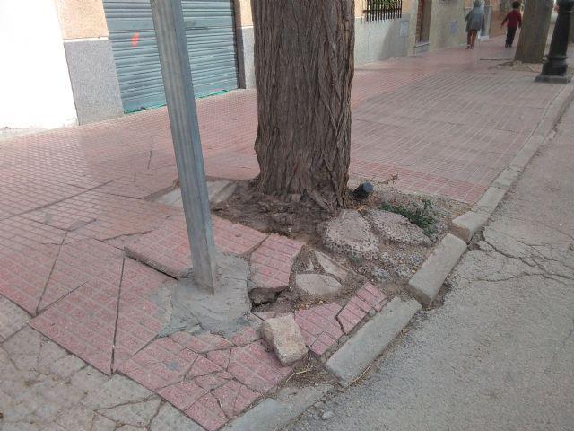 El PSOE reclama la regeneración de las calles Portijico y Abellaneda del barrio de San Cristóbal por su estado calamitoso - 3, Foto 3