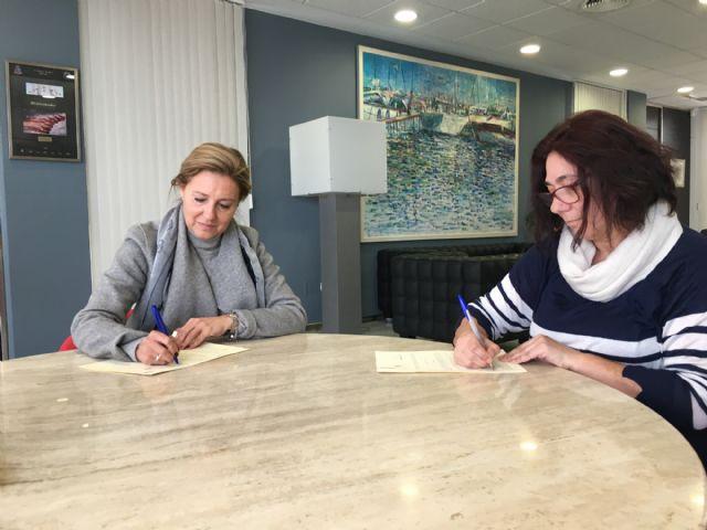 El Ayuntamiento firma un convenio con APANDA para abrir un punto de atención a niños con pérdidas auditivas en San Javier - 1, Foto 1