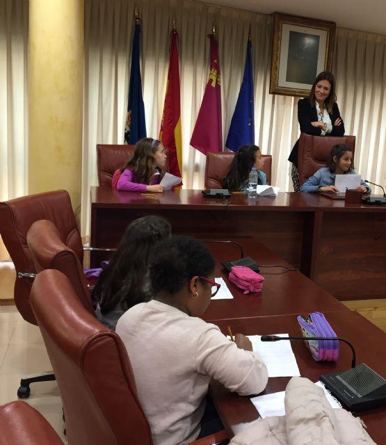 Los alumnos de 3° de Primaria del colegio Virgen de los Dolores visitan el Ayuntamiento - 1, Foto 1
