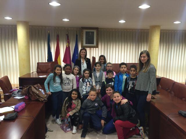 Los alumnos de 3° de Primaria del colegio Virgen de los Dolores visitan el Ayuntamiento - 2, Foto 2