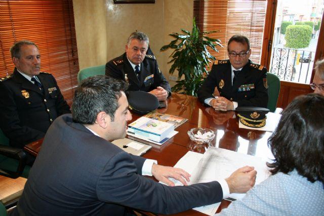 El Alcalde se reúne con el Subdirector General de Logística de la Dirección General de Policía del Ministerio de Interior - 2, Foto 2