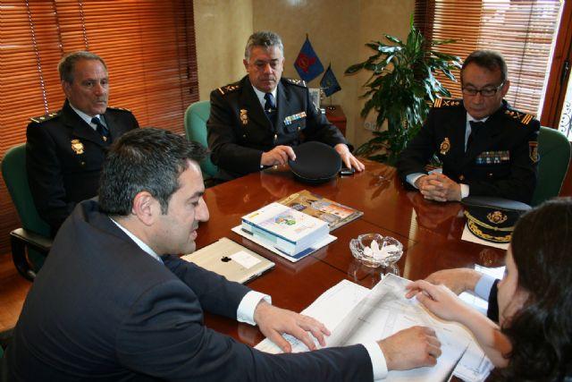 El Alcalde se reúne con el Subdirector General de Logística de la Dirección General de Policía del Ministerio de Interior - 4, Foto 4
