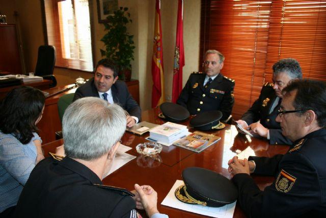 El Alcalde se reúne con el Subdirector General de Logística de la Dirección General de Policía del Ministerio de Interior - 5, Foto 5