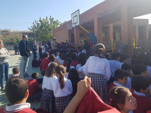 "Civil Protection and the educational community of the ""Reina Sofía"" School participate in a fire drill"