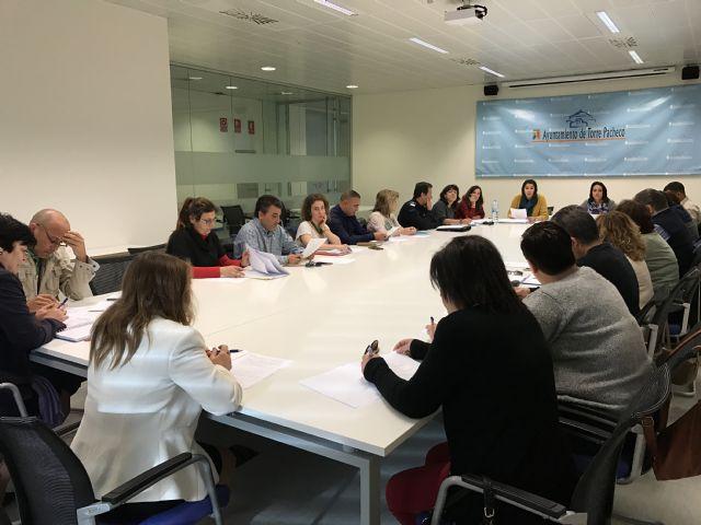 La Comisión Municipal de Absentismo y Abandono Escolar del Ayuntamiento de Torre-Pacheco se ha reunido esta mañana. - 2, Foto 2