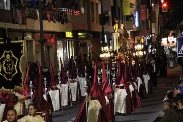 Pesar y aflicción en la solemne procesión del Santo Entierro - 2, Foto 2