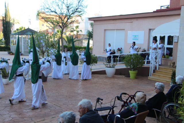 Los mayores veneran a la Virgen de la Soledad - 3, Foto 3