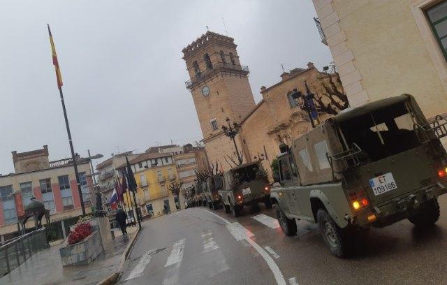 Militares del Ejército de Tierra vuelven a colaborar en las labores de control y concienciación en la vía pública y contención de la actividad comercial, junto con Guardia Civil y Policía Local