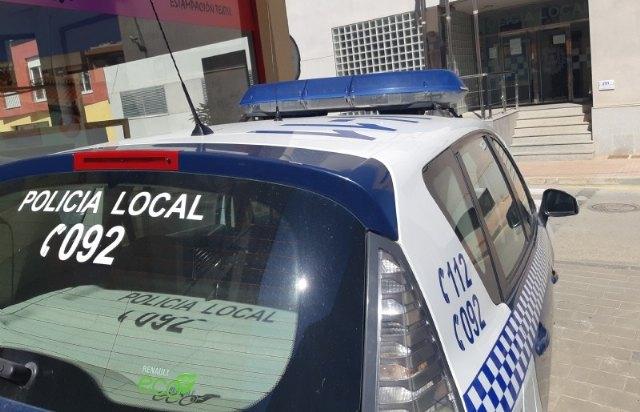 [La Policía Local detiene a un individuo por un supuesto delito de violencia de género tras recibir la alerta de una fuerte discusión de una pareja, Foto 1