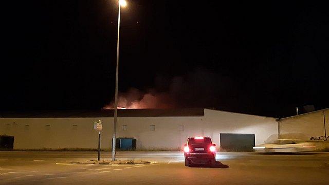 Incendio en un secadero industrial de pimentón en Totana - 2, Foto 2