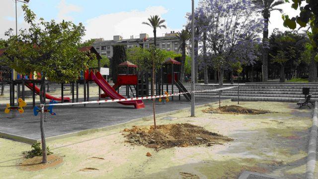 El Ayuntamiento de Molina de Segura y SERCOMOSA llevan a cabo la plantación de nuevo arbolado en zonas verdes del municipio - 1, Foto 1