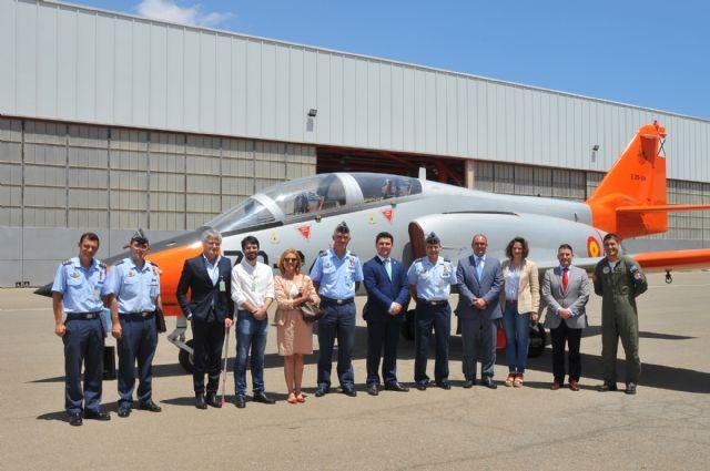 La Corporación municipal visitó el Centro Universitario de la Defensa en la AGA - 2, Foto 2