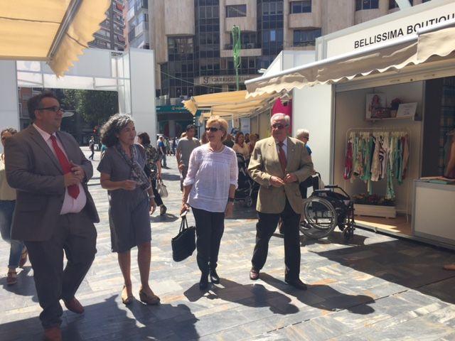 Maruja Pelegrín inaugura la II edición de la Feria Muác del Verano - 1, Foto 1