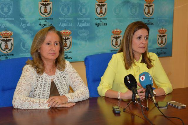 El Ayuntamiento adquiere dos desfibriladores para el Polideportivo y la Policía Local - 1, Foto 1