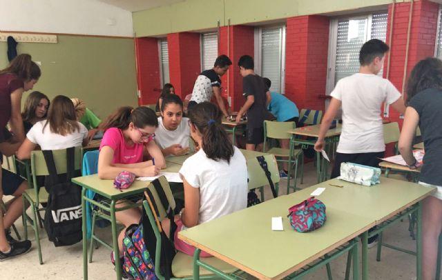 La Fundación Secretariado Gitano realiza talleres en el Instituto Rambla de Nogalte para eliminar los estereotipos sobre la comunidad gitana - 1, Foto 1