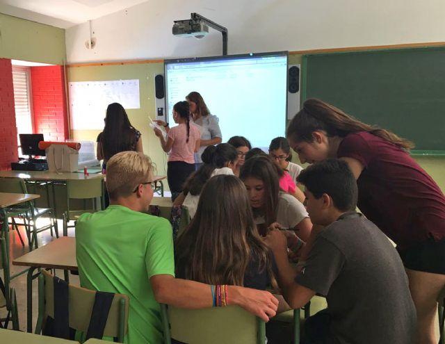 La Fundación Secretariado Gitano realiza talleres en el Instituto Rambla de Nogalte para eliminar los estereotipos sobre la comunidad gitana - 2, Foto 2