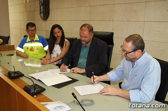El Consistorio totanero suscribe un convenio para poner en funcionamiento un servicio de acogida y ayuda a mascotas en situaciones de riesgo, Foto 2