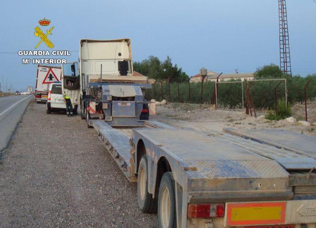 La Guardia Civil intercepta en Totana a un camionero por conducir bajo los efectos de la cocaína - 1, Foto 1
