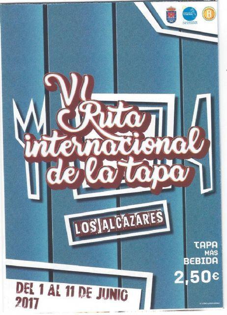Decenas de participantes saborean los manjares de la gastronomía alcazareña en la presentación de la VI Ruta Internacional de la Tapa de Los Alcázares - 1, Foto 1